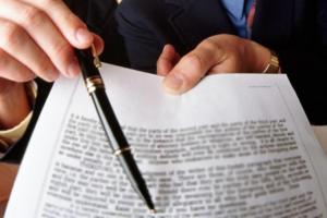 از منظر حقوق و قوانین معامله ی فضولی باطل مطلق نیست بلکه غیر نافذ است